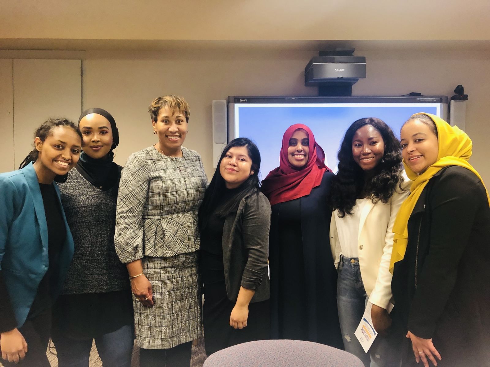 Capitol Pathways guest speaker Tawanna Black, Founder & Chief Executive Officer, Center for Economic Inclusion, meets with Capitol Pathways interns.